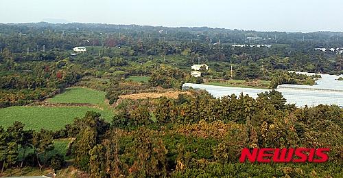 【서귀포=뉴시스】 고동명 기자= 10일 국토교통부가 2025년까지 건설하겠다고 밝힌 '제주 제2공항' 예정지인 서귀포시 성산읍 신산리 일대의 전경이다.2015.11.10. kdm80@newsis.com