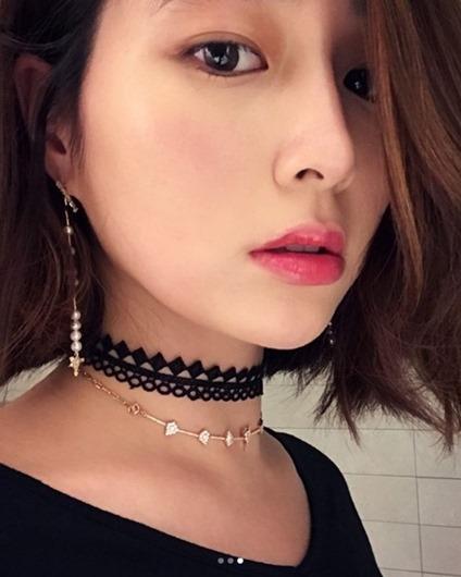 [★SNS]이병헌 ♥ 이민정 몇달만에 셀카..풀 메이크업으로 도도한 매력