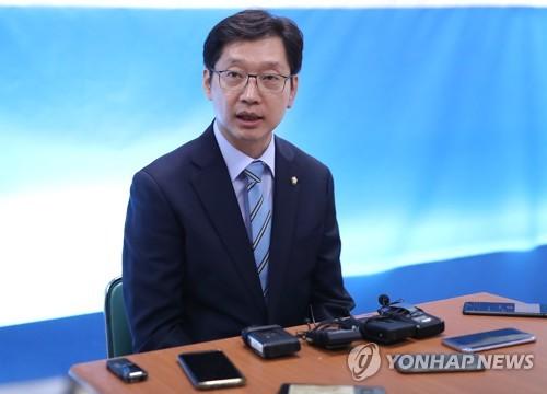 김경수 드루킹측-보좌관 돈거래 뒤늦게 알아, 당사자 해명해야종합