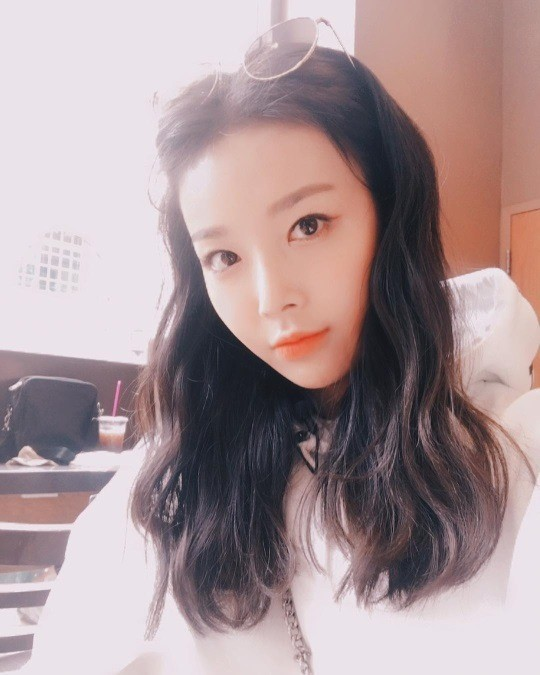 Yubin posted Selfie using his own Instagram for the past 30 days.Yubin in the released pictures boasted brilliant eyelets and nostrils.Beauty got Snowy Road got pretty beautiful like this.Yubin also added the sentence When leaving anywhere.The netizens left comments such as beauty true story, want to see ~, lets go to the stage.Yubin, on the other hand, is working on a new album now.Come back in front of my nose / Photo = Yubin Instagram