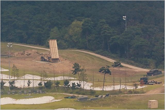 경북 성주군 사드기지에서 사드 발사대가 하늘을 향하고 있다. ⓒ데일리안 홍금표 기자