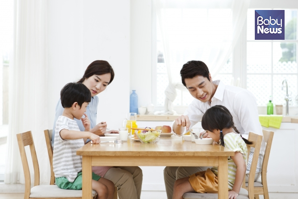 우리 아이 식사 전, 식사 중, 식사 후 예절 갖추기