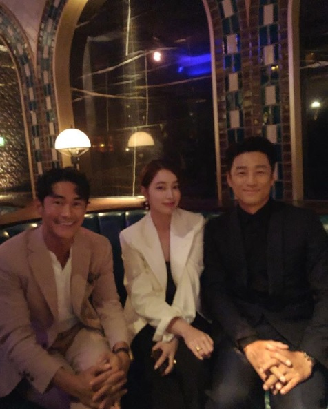 <p>On the 17th, Bae Jeong-nam posted a picture with a sentence exceeding wonderful Ginnyheng municipal sister on his own instagram.</p><p>Bae Jeong-nam in the released pictures seems to be sitting on the sofa and posing alongside Lee Min-jung and Ji Jin-hee. Three people sky smiling at the camera and got a close eye on a friendly atmosphere. These warm visuals that shine even in the dark room give admiration.</p><p>Meanwhile, Bae Jeong-nam appeared in KBS 2s new entertainment program Where is there? Together with Yu Ho Jin PD, along with Chathyun-hea Ji Jin-hee. It will be broadcasted in June.</p>