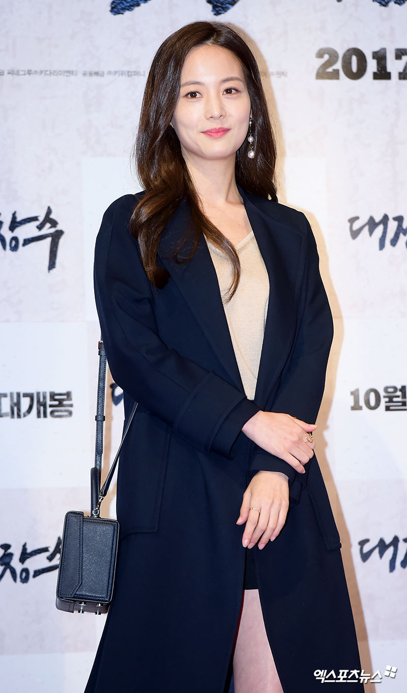 <p>On the 18th, KBS 2TV water suit drama Suits side official said to Son Yeo-Eun this test Kim Moon Hee role will join from the broadcast next week.</p><p>Son Yeo-Eun, who performed last season at the SBS Weekend drama My sister is alive in the former Seguyon role and showed acting villain performance, is increasingly expecting the role of the examination to show some charisma .</p><p>On the other hand, Suits depicts the blommance of a fake newly-admitted lawyer and Park Hyung-sik with a legendary lawyer in Korea, the legendary lawyer, Jang Dong-gun, and genius memory. Drama, weekly water, Thursday afternoon broadcast at 10 pm.</p>