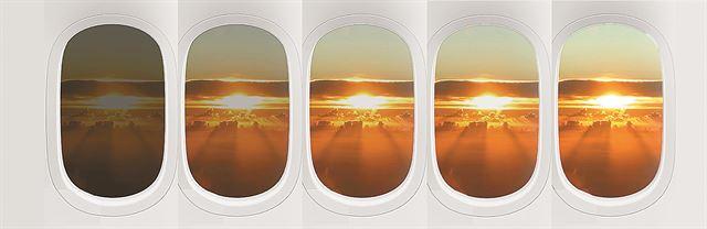 창문 가리개 대신 터치 버튼으로 창문 투명도를 5단계로 조절하는 기능도 생겼다. 대한항공 제공
