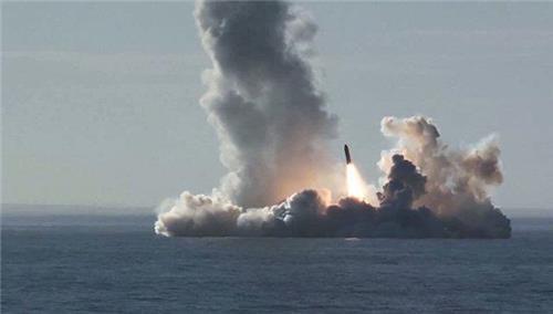 불라바 미사일 발사 장면 [리아노보스티=연합뉴스]