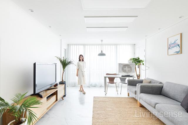 셀프 디자인으로 완성한 23평 아파트 캔디하우스