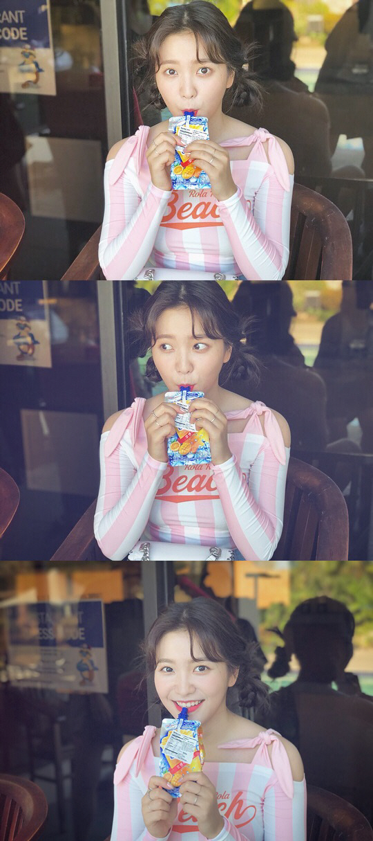 <p>Red Velvet released Yeris JTBC 4 Secret sister behind shot on the official SNS on the 17th.</p><p>Yeri gazes at the mouth cheek camera with his ice cream tube in his mouth and smiles fairly a little. Yeris refreshing charm seems to stand out.</p><p>Yeri recently appeared with Han Chae-young of the JTBC 4 entertainment program Secret Sister who wants to know only me.</p>