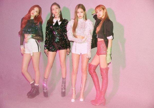 """블랙핑크, 美 포브스 극찬 """"3곡 연속 차트 정상..대기록 수립"""""""