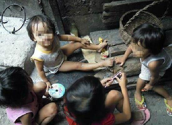 필리핀 현지의 코피노들(사진=탁틴내일 제공)