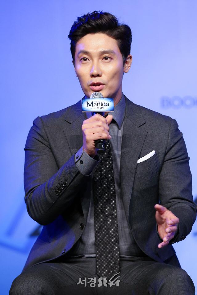 배우 김우형이 25일 오전 서울 중구 더 플라자 호텔 그랜드볼룸에서 열린 뮤지컬 '마틸다' 제작발표회에 참석해 인사말을 하고 있다.