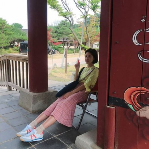 <p>Hwang Jung-eum posted a piece of photograph on his own instagram on the 25th.</p><p>Hwang Jung-eum in the photo is sitting at the Chair and taking rest. A delicate body and cute eye soreness attract attention.</p><p>Netizens who saw this showed reactions such as in their thirties, they are true, Sugar times and exactly the same, completely clean.</p><p>Meanwhile, Hwang Jung-eum is appearing in the SBS drama Hunnam Chung.</p>