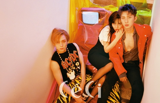 <p>Triple H (it was Hyuna Hui) come back for the first time in a year.</p><p>In the July issue of the Ceci (CeCi) I went for a comeback, Triple H was daring and dignified according to the new album concept, expressing only those colors.</p><p>The album that included the story of youth wandering by the past album, it got more nostalgia for the past, and now we used a folder phone and a pager while holding a smartphone I thought when I was inspired by old musicians.Retro and future collaboration, Retro Futurism is the theme of this album and the title. </p><p>Hyuna introduced this album and revealed that it has recently fallen into retro mood.</p><p>Although it was a question of sprinkling a new album lightly, Hyuna asked me to listen to Huis new singing style, I am not new to what I have ever seen and confidence is not confident.</p><p>Triple H started photo album activities on July 18th, photo collection featuring the power of gravure craftsmen Hyuna, Hui, who was breathing and chemically bumped photos were Case Digital (www.ceci.co.kr ) And the Ceci (CeCi) July issue</p>