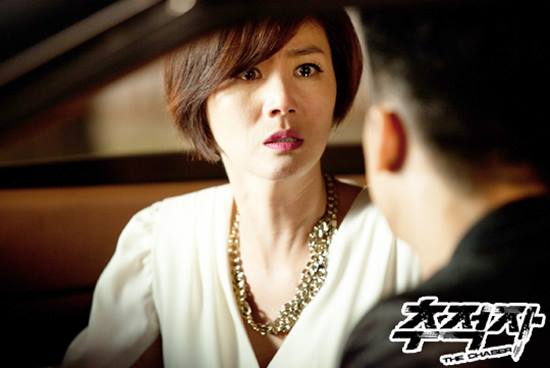 <p>In 1988, Kim Sung-ryung won the 32nd Miss · Korea Competition and debuted in the entertainment world as MC of KBS 2TV Live Performance Street the same year. Since then, in 1991 Kang Woo Seoks movie Who saw the nail for whom to appear in the role of Kim Ji Won received the Large Bell Freshman Actor Award and the Million Arts Grand Prize Film Category New Performer Award, the masses I began to inform the name and face surely.</p><p>Kim Sung-ryung then went on to say, The room of the forest Mask Miya woman Our school tea The idle In the fire The client The king of Abu The child of the Ugly Duck Jackal on the theater target ruffle will you be there that is only my world Dokjon appeared in many movies.</p><p>Not only movies, Kim Sung-ryung is a drama Whaling Season of Arashi King and Non Road of Great King Orizuru Man of Juliet Empress Myeongseon Love is like this Unmanned age Million Yen Miss Kims making 1 billion How to meet perfect neighbors King Sejong Ou Iljime Self-screaming Ikemen is neko Next house enemy He steadily promoted his position as an actor while lighting his face.</p><p>And, in the past SJ drama pursuer THE CHASER which actors such as Jonamuguk PD and Park Kyung-soo writer, and Son Hyun-joo, Kim Sang-joong, Park Geun-hyung, etc. appeared and many topics were gathered In Seo Ji - soo as chaebol II, he appeared as a role and gave a certain impression to the public.</p><p>In the role Seo Ji - soo plays a key role in the core case of drama reprinting Kim Sung - ryung is a drama to the end with Son Hyun - joo, Kim Sang - joong, Park Geun - hyung etc. We have accomplished a central role to lead us. Especially Kim Sung-ryung gave another fun to watch the drama with flashy visual as well as acting.</p><p>Kim Sung-ryung who showed both visuals and acting capabilities said, The tracker THE CHASER, Yawang, heirs, Queens flowers, Mrs Cup 2 the legend of the blue sea and recently you Is not it a human being? , While constantly sticking to the character until the 