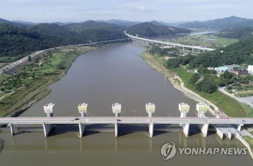 정부가 수공에 떠넘긴 4대강 사업비 8조..이듬해 물값 4.8% 올라