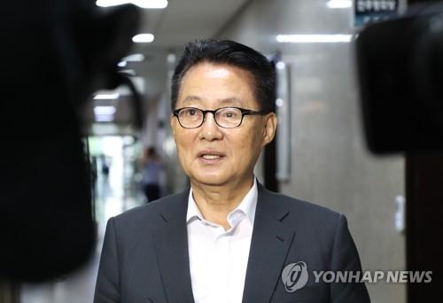 """'특활비 최다' 박지원 """"여러직 맡았기 때문..없애도 반대 안해"""""""