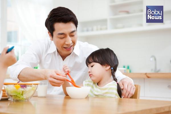 부모란 자녀에게 하고 싶은 말보다 자녀가 듣고 싶은 말이 무엇인지, 함께 나누고 싶은 이야기가 무엇인지 확인해야 한다. ⓒ베이비뉴스