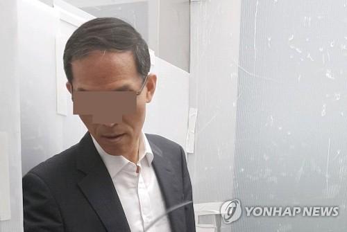 도 변호사는 정치자금법 위반 및 증거위조 혐의로 17일 특검팀에 긴급체포됐다. [연합뉴스]