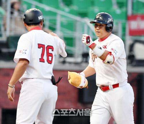 [포토] 최정, 3년 연속 30홈런!