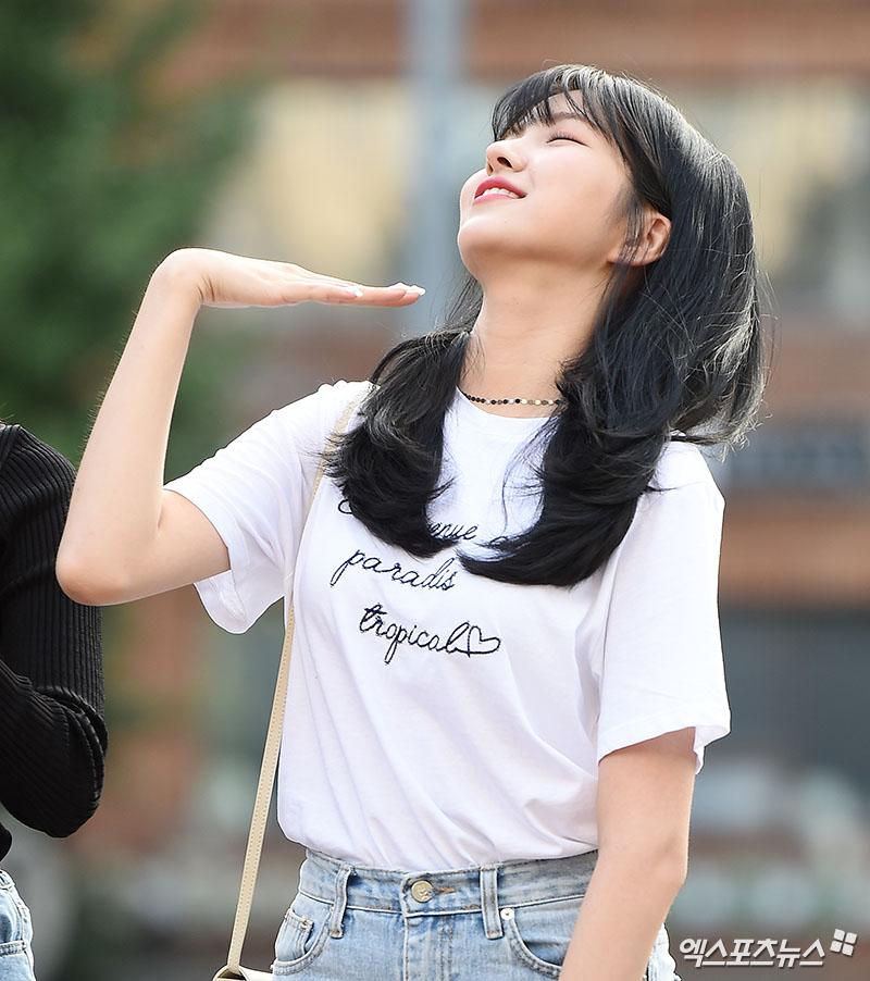 [엑's HD포토] 여자친구 소원 '날이 더워요~'