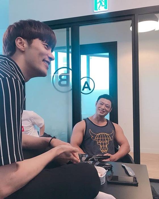 스포테이너 양치승 관장(오른쪽)과 배우 성훈 /사진=양치승 인스타그램