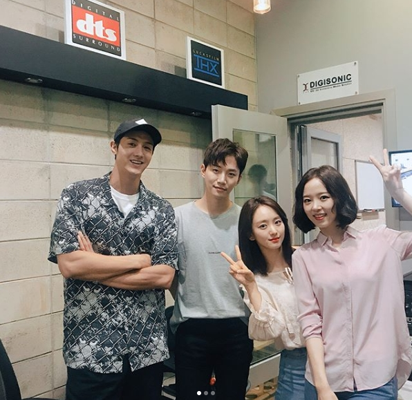 <p>In the JTBC drama While I Love You Won Jin-A - Juno Couple again met.</p><p>Actor Won Jin-A posted a photo on his own instagram on July 27, with the sentence I just loved while DVD commentary.</p><p>Actors Lee Ki-woo, Juno, Won Jin-A, Kang Han Na, who appeared in Inside the Love Only in the Picture were put in the figure. The warm appearance of your actor stands out. You can catch a glimpse of the atmosphere with a bright smile of your actor.</p><p>The fans who touched the pictures said, Wonderful Lang Kang Doo, When will the DVD come out? I will go buy it immediately, How I waited, but eventually I am very moved I showed the reaction.</p><p>Won Jin-A and Juno met the role of Hamns, Igandz, who dramatically survived in the collapse accident. While holding the scars of each other, the two showed off romance performance and received the love of viewers</p>