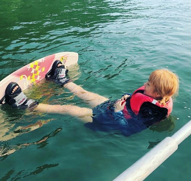 <p>The comedian Park Na-rae challenged the water sports Wakeboard.</p><p>Park Na-rae said on his own Instagram on July 27, There is no hot day today, it is not today. Wakeboard. For the first time. It happens for the third time, born again with a muscle that is born and purchased a board, Elementary student We posted pictures with.</p><p>The figure of Park Na-rae preparing to ride the wakeboard in the picture was put in. Park Na-rae is laughing wearing a life jacket and a wakeboard. The short foot length of Park Na-rae stands out.</p><p>The fans who touched the picture showed a reaction such as I am sorry, Elementary student ..., Please be very cute, Elementary student is diving into bread.</p><p>Park Na-rae is currently appearing in Jung Joon-young, Park Myungs and tvN Salty Tour</p>