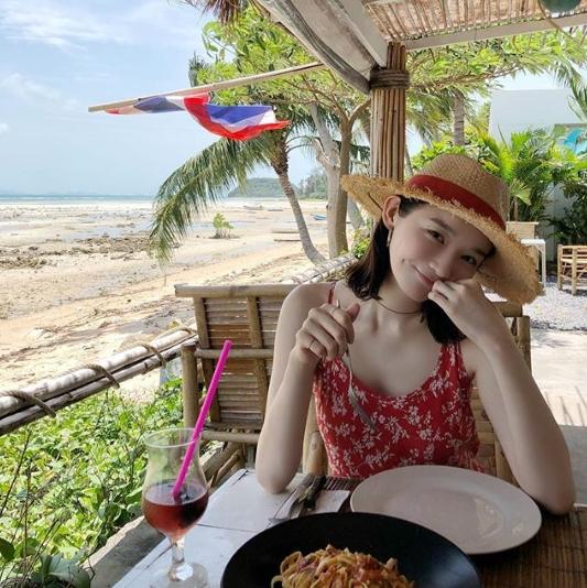 Kang Min Kyung Care Enjoying A Holiday