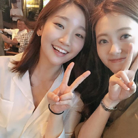 <p>31th Go Ah-ra posted a picture taken with Park So-dam along with the phrase Sodam Yell click on his instagram account.</p><p>Go Ah-ra and Park So-dam in the released pictures are laughing brightly at a close pose and taking Self. Together, the friendship and beauty of two more shining people are attracting attention.</p><p>Go Ah-ra appeared in the JTBC monthly fire drama Miss Hammurabi. Park So-dam played the role of a constituent in the June play Henrys grandfather and I.</p>