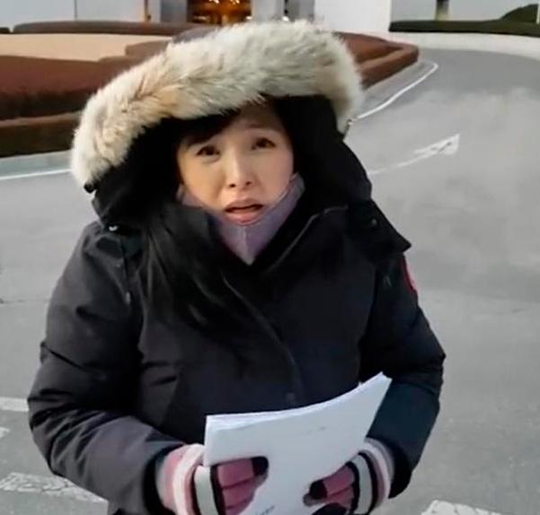 성남경찰에 의해 강제납치 돼 정신병원에 감금했다고 주장하고 있는 김사랑씨 /사진=유튜브 캡처