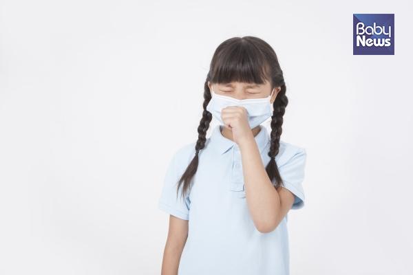 이 더위에 감기라니.. 아이 건강 노리는 폭염 속 '복병'