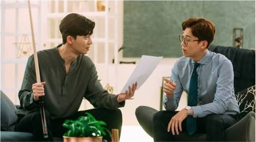 <p>Hey, owner!</p><p>Bakuyusiku is a distinctive character in the tvN drama Why is it so? He is the only person who speaks a word to the famous group vice chairman Lee Yeongjun (Park Seo-joon) who knew from the time of study abroad. Even though it stimulated Lee Yeongjun to call it odious, laughing laughter was held quickly whenever the hierarchical relationship between the owner and the CEO of the one owner was compromised.</p><p>Why is Gimbiso so? Is a work depicting the Milan Romance of the chaebol II, Lee Yeongjun (Park Seo-joon) and his Timothy Earl gimmiso (Park Min Young) who fell into narcissism based on the popular Weptun . Actor Kang Ki-young played the famous group president Bakuyusik and played Park Seo-joon and Chong Chung Han breathing and added pleasure. To his acting done well and well, the viewers sent hot reactions each time. As a work without such a villain, I thought that the supportists like the Bakuyusuku character were responsible for tourism.Bakyushik made an effort to try to make use of the clear role of individuality and the original feeling as much as possible Of course it is regrettable that the circumstances with the former wife decreased but it was a good role and impact.</p><p>Especially belongs to the name scene cited by nearly all God viewers with Park Seo-joon. When Bakuyusik handed out advice with true heart to Lee Yeongjun, and when teaching brilliant romance Kulchip, the dramas breathing got even more vigorous. It was thanks to Park Seo-joon and real friends that I was able to show off better than I expected. We have to eat a lot of alcohol in order to show good good blooming, so we became friends, more ironic, serifs also prominently served, facts Seojun and many others were not able to shoot while shooting a lot I got acquainted with it, in fact it gagged me too much and received all the gags I throw.</p><p>Generally, the good atmosphere of the shooting site is reflected in the work. There is no difference between the breathing