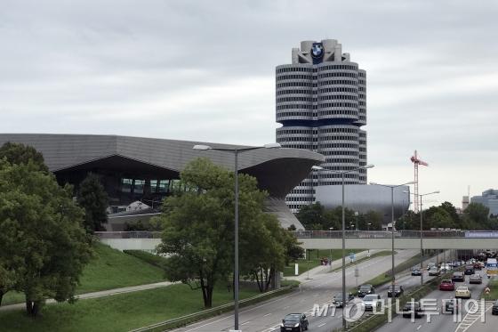 독일 뮌헨에 위치한 BMW 본사의 모습 /사진=김남이 기자