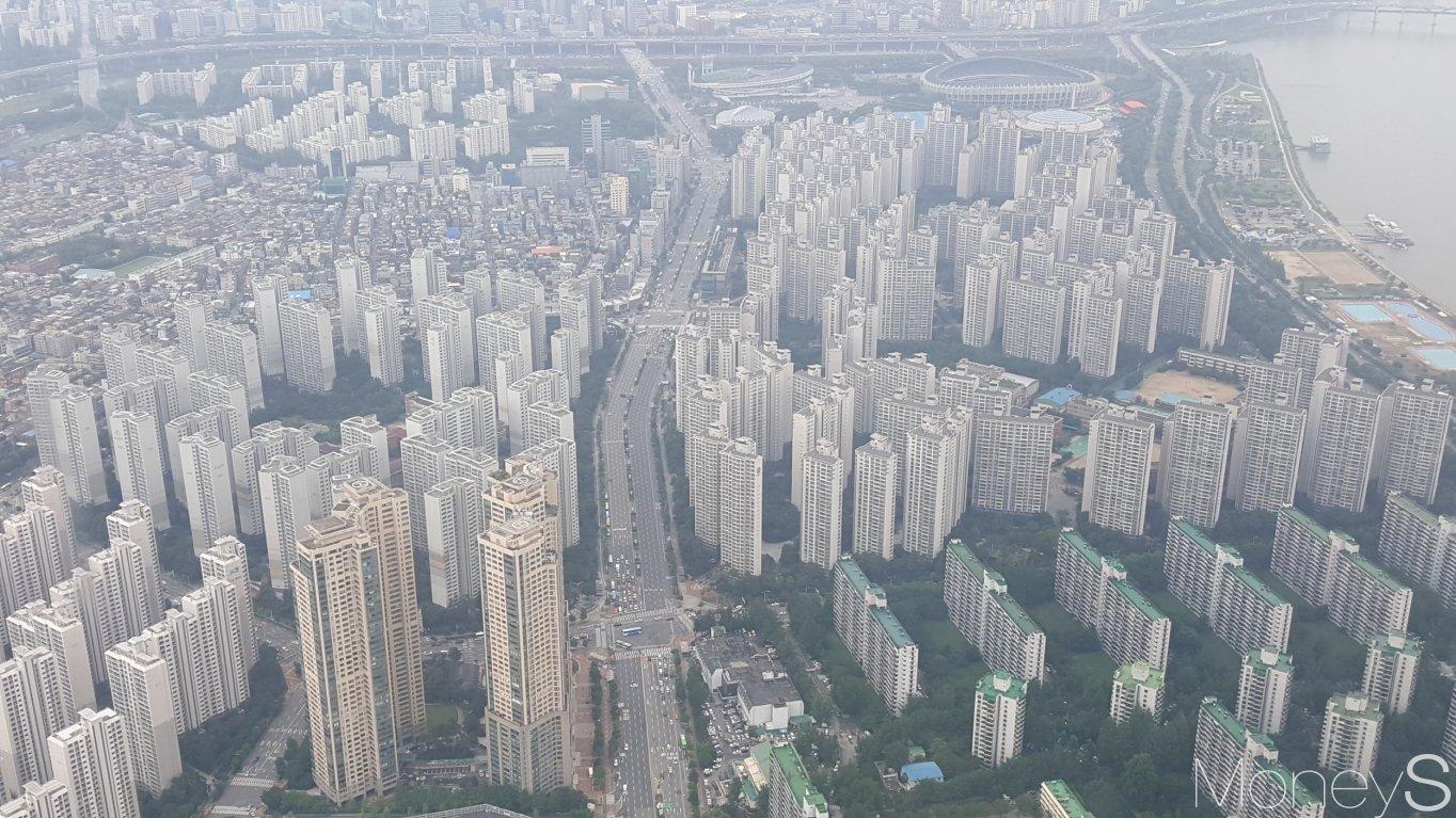 서울 시내 한 아파트 밀집 지역. /사진=김창성 기자