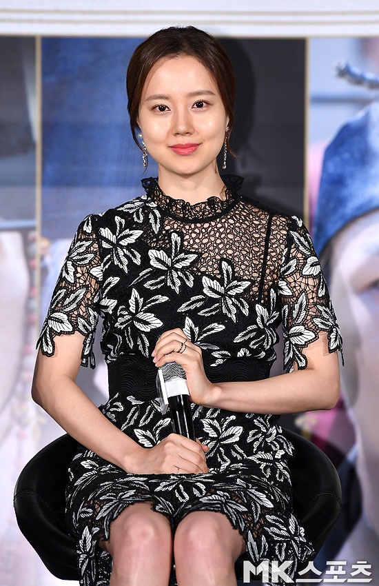 <p>The movie Per se (Director Bakuhigon) Production report society was held at Seoul megabox Dongdaemun shop on the morning of 13th.</p><p>An actor Moon Chae-won is present at the movie Per se Production report society.</p>