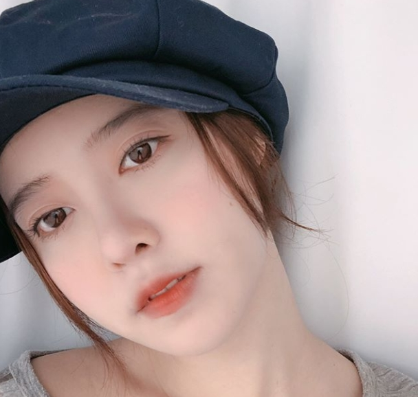 <p>Actor Ku Hye - sun entered Diet and lost 3 kg.</p><p>On August 13, Ku Hye-sun posted pictures with his sentence Finally Three Keys! On his Instagram.</p><p>The figure of Ku Hye-sun who wrote Pan Mohja in the picture was put in. Ku Hye-suns face length jog line and large round eyes draw attention to the line of sight. Especially white skin and noticeable as Chapssal-tteok of Ku Hye-sun.</p><p>The fans who touched the news showed the reactions such as It is a real clean but your sister is also fighting with Diet, I am beautiful even if I pass through the anne, Now very beautiful.</p><p>Ku Hye-sun clarified that July weight increased by 10 kg</p>