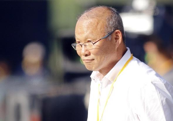 [AG 리뷰] '박항서 매직' 베트남, 네팔 2-0 제압..일본과 승점 동률