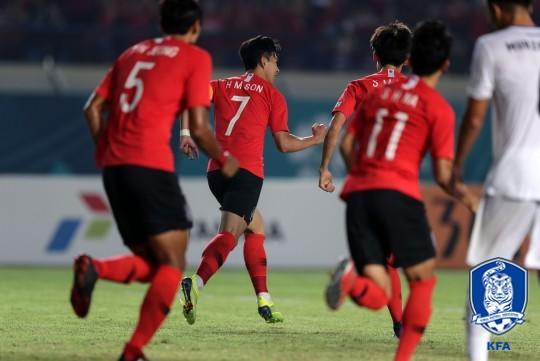 '손흥민 결승골' 한국, 키르기스스탄에 1-0 승..이란과 16강 격돌