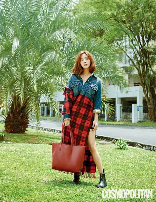 <p>Cosmo Politan released his photo collection of actor Jo Bo-ah through the September issue.</p><p>Malaysia This photo book taken in Kuala Lumpur was used to showcase vivid scenes shot at local local restaurants and lush towns.</p><p>Her lovely charm shone brightly on the ground, including adding a stylish bag to the check pattern costume at the heart of this autumn trend, with a logo printed T shirt.</p><p>In an interview, Jo Bo-ah said, Id like to challenge that the genre I want to do is a romantic comedy, I want to show my character in my work naturally, I would like to show you more than all the things I did not want to see I talked about genres.</p><p>About the occupation of actor, The actor is not a job, I have never imagined and Ive never imagined that Im strongly attaching to what I do now because I paid all the effort in my early twenties, I am pushing it up, he told his frank idea for acting.</p><p>Detailed pictures and interviews of Jo Bo-ah can be seen at the Cosmo Politan September issue at the official SNS and website of Cosmo Politan, and [Photo] Cosmo Politan</p><p>Cosmopolitan</p>