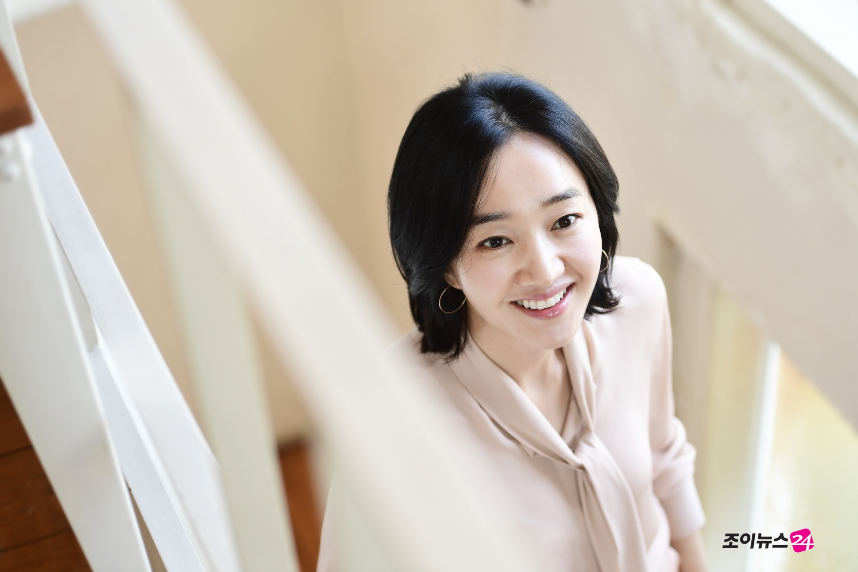 <p><></p><p>Actor Soo Ae of movie High Society is posing in an interview with.</p><p>Soo Ae undertook the role of Mr. Susan, deputy director of MuséedOrsay, who chose Sudan and method for the ambition to advance into the High Society at High Society (Director revolution) and expanded the performance. The opening is 29th.</p>