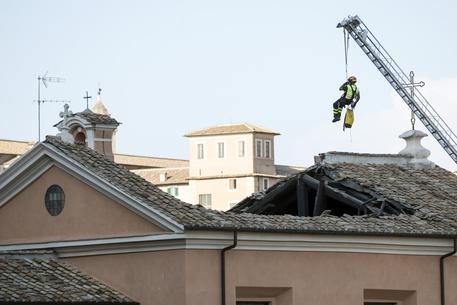 30일 갑작스레 지붕이 붕괴한 이탈리아 로마의 '산 주세페 데이 팔레냐미' 성당 [ansa통신]