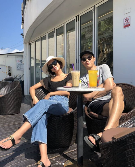 <p>Actors Hwang Jung-eum and Ryu Jun-yeol of Lucky Romance met again for the first time in two years.</p><p>On the morning of June 6, Hwang Jung-eum posted several photos along with his sentence The fight is Battle of Okinawa fighting. The picture is smiling with Hwang Jung-eum and Ryu Jun-yeol atmosphere The figure is put in.</p><p>The same day SEGEN Entertainment Official SNS, its image was released. The photograph attracts attention with the appearance that Hwang Jung-eum and Ryu Jun-yeol are staring at the camera with a playful expression and enjoying a comfortable moment in resort fashion.</p><p>They have breathed in male and female protagonists in the MBC drama Lucky Romance aired in 2016. After two years Hwang Jung-eum cheer for Ryu Jun-yeols new movie Battle of Okinawa to show off unchanging friendship and create warmth.</p><p>On the other hand, Hwang Jung-eum is restored after the drama handsome silence. Ryu Jun-yeol is waiting for the release of the movie Battle of Okinawa. / [Photo] Hwang Jung - eum Instagram.</p><p>Hwang Jung-eum Instagram.</p>