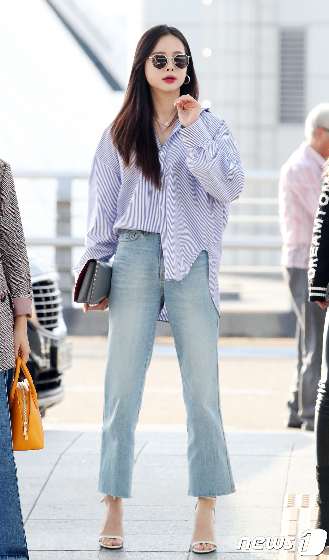 <p>Solji has taken rest since December 2016 when Confirmed hyperthyroidism was interrupted and EXID activity was interrupted. 2018. 8. 7 /</p>