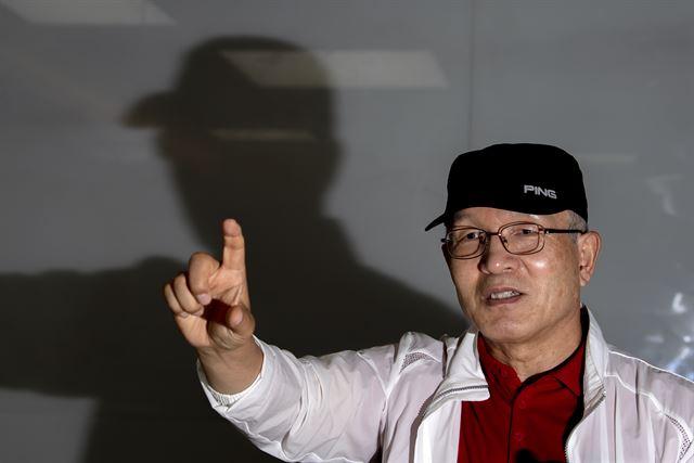 군에서도 그는 목표를 향해 전력을 다하는 '독종'이었다. 김주영 기자 will@hankookiilbo.com