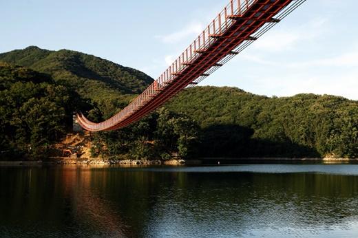 마장호수 흔들다리./사진=한국관광공사