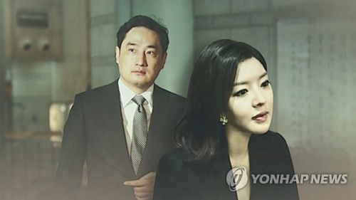 강용석 도도맘(CG) 강용석 변호사(왼쪽)와 유명 블로거 '도도맘' 김미나씨 [연합뉴스TV 제공]