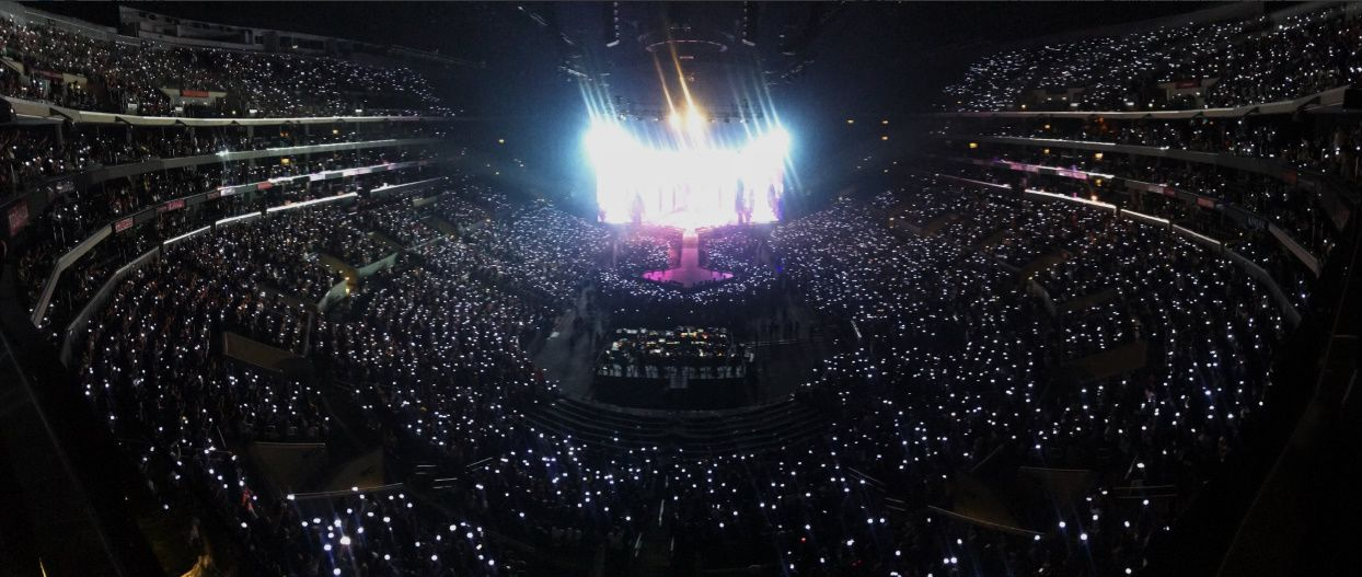 <p>On 9th local time Dark & ​​amp; Wild finished Love Your Self Tour LA Performance at the LA Staples Center. This concert lasted four times in LA, 5th, 6th, 8th, 9th in the performance started at Seoul Jamsil Olympic Stadium last month.</p><p>Members left their own senses through SNS. Jimmin posted a picture shot at the venue saying Thank you LA for having fun from the bottom of my heart. Jay Hop, Just another LA, Jean Thank you Ami, Jungkook Thank you, RM LA show Kluegem etc. left. Sugar and Vi also greeted LA fans with Gonzo and video.</p><p>Dark & ​​amp; Wild will continue the tour at Aucklands Oracle Arena, 15th and 16th, Fort Worth Convention Center on the 12th.</p><p>Tour Mid-yen NBCs longevity program Americas Got Talent (Americas Got Talent) decorates the celebration stage, such as digesting the local schedule. Moderator Tyra Banks expressed his expectation to his SNS that My superstar Dark & ​​amp; Wild will perform at Wednesday night Americas Got Talent . Dark & ​​amp; Wild and Tyra Banks took pictures of the model pose by meeting at 2018 Billboard Music Awards and making it public.</p>