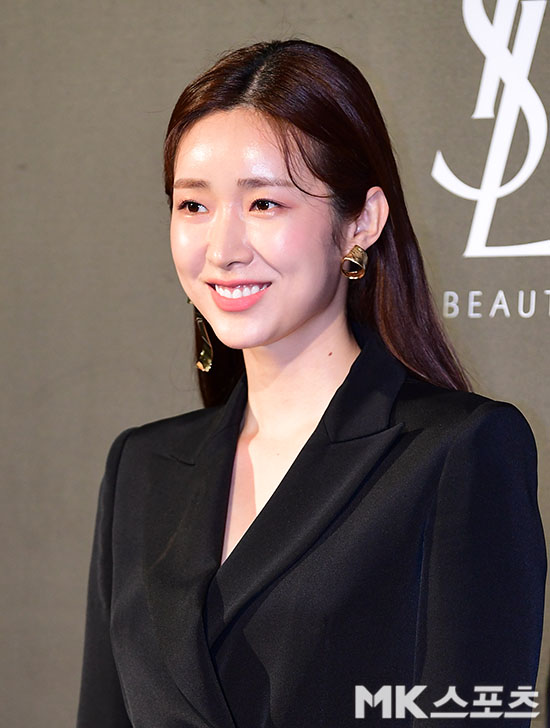 <p>Actor Cha Jung-won participated in an open event Yves Saint Laurent Beauty Hotel popular store of the concept concept of Yves Saint Laurent Beauty, a cosmetic brand made at Shinsa-dong street tree street shops in Gangnam-gu, Seoul, .</p><p>Actors Kim Sarang, Cha Jung-won, Hydrangeal, Janggi-yong participated in the event of the day and made the seats shine.</p>