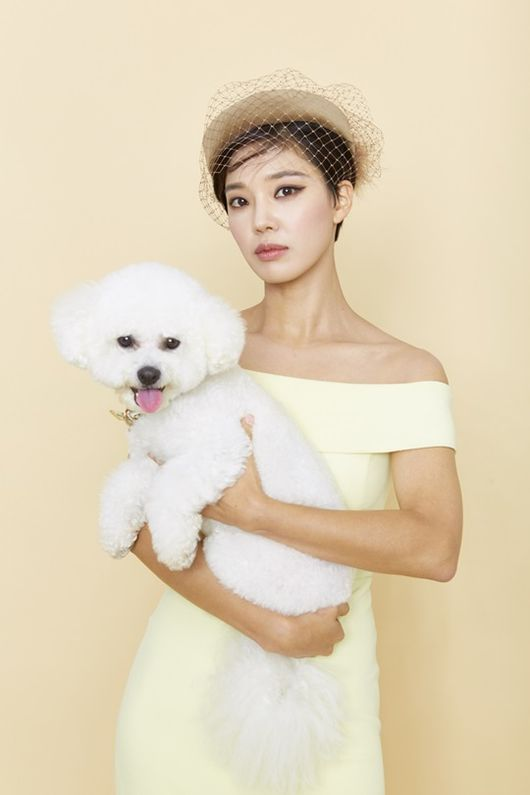 <p>Im Se-mi and model dogs released the fantasy Kemi divergent B cut image was released, drawing attention. Im Se-mi released a B cut photograph collection containing the sensibility of Avant-garde which the premium pet magazine Life and Dog went with the dog in the autumn issue of 2018. Boasting a perfect breath with a dog and attracting a gaze with a retro feeling styling to a gorgeous pastel tone background.</p><p>Among published photo books Im Se-mi showed a refreshing and charming charm with a white collar dress to a pose and shortcut like a border collie that pierced through the background paper. Especially, I added a chic atmosphere with a figure staring at the camera with prideful eyes holding Bichon. Subsequently, she showed another charm with hairstyle reminiscent of Mary Antoinette and elegant styling. Prior to shooting Im Se-mi packed snacks of model dogs together and played together, approaching with familiarity and creating a natural shooting atmosphere. It is also a story behind the magazine sales income that participated in a talented donation pleasantly for the good intent of being used for Organic animal.</p><p>Im Se-mi will take on the role of National Intelligence Officer Yujeong in the MBC drama Terius behind me on the first broadcast on Thursday, May 27, and will steadily continue his performance track. We are planning to try acting transformation with a character with an incisive mind towards elite personnel with good leadership and judgment and colleague Gim Ben (So · Ji-seup).</p><p>Meanwhile, you can see the collection of Im Se - mi s strange attraction in the autumn issue Life and Dog. / [Photo] Life and Dog is offered.</p><p>Life and Dog is provided.</p>