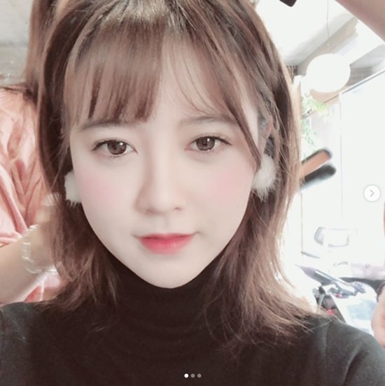 <p>On the 17th, Ku Hye-sun posted a piece of photograph with a sentence Snow Crystal on his instagram.</p><p>Ku Hye - sun in the published photograph is undergoing hair makeup. Ku Hye-sun is looking at the camera with snow-like earrings, but as long as he holds Beautiful looks, he draws Snowy Road.</p><p>Ku Hye-sun will appear as the first guest on the MBC Talk Nomad - give generously to give that will be broadcasted for the first time on the 21st.</p>